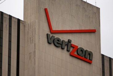 US Gov't collecting phone records from Verizon